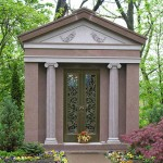 Family Crypt, Walk-In